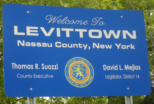 Welcome_to_Levittown_ny